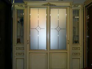 Классический шкаф купе массив с фацетными зеркалами и гравировкой Черемхово