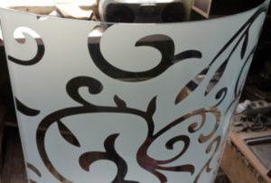 Стекло радиусное с пескоструйным рисунком для радиусных дверей Черемхово