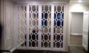 Двери с фигурной филенкой, эмаль Черемхово